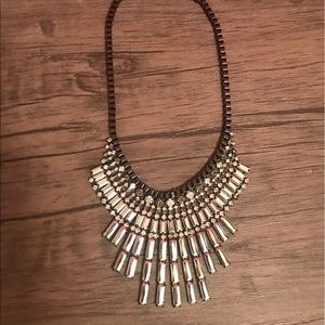 Express statement necklace